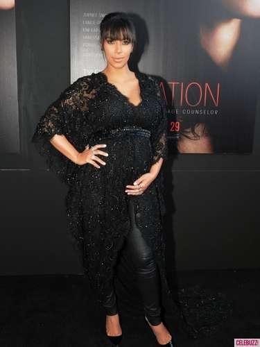 Kim Kardashian asiste a la premiere de \