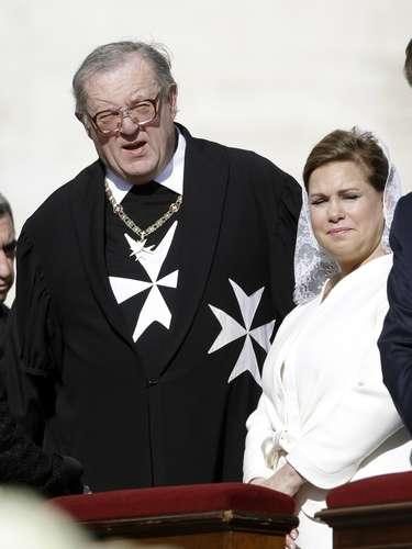 La Gran Duquesa María Teresa de Luxemburgo, de blanco, como Fabiola de los belgas.