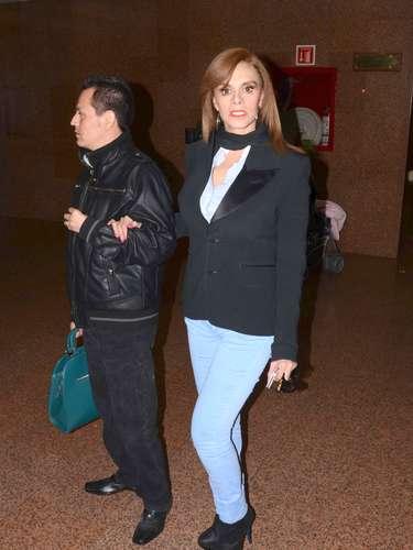 Lucía Méndez asiste al velorio del hermano de la cantante Yuri, Carlos Valenzuela, quien fue atropellado la noche del viernes en la capital mexicana