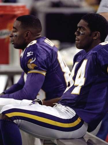 Cris y Randy: Cris Carter era una estrella de la NFL establecido cuando Randy Moss se unió a él como compañero de equipo en los Vikings de Minnesota en 1998. Carter tomó al receptor joven bajo su tutela, pero siempre fue el primero en criticarlo - incluso desde que Carter se retiró en 2003. Renovaron su pelea cuando Carter le disparó a Moss el año pasado llamándolo cobarde. Moss usó Twitter y dijo: \