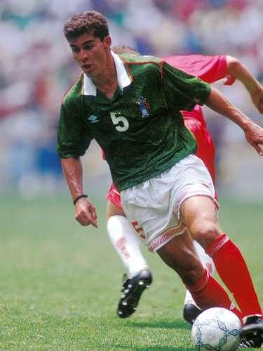 Ramón Ramírez jugaba en el Tri como lateral izquierdo, por lo que su gran técnica individual era una de las salidas principales en el cuadro bajo.