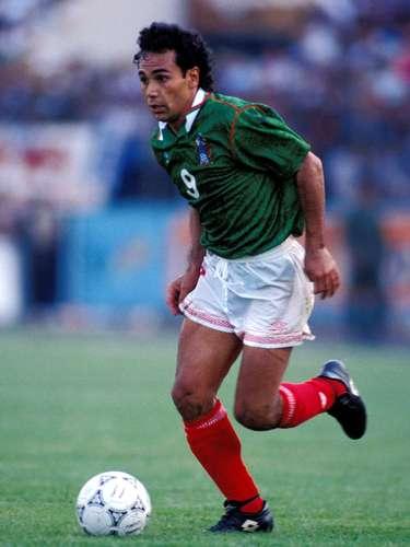 Hugo Sánchez Márquez era el ídolo del conjunto azteca y en esa tarde en Tegucigalpa fue hostigado hasta la saciedad por los zagueros catrachos; sin embargo, conservó la calma, fue inteligente y hasta le puso el servicio de gol a Luis García.