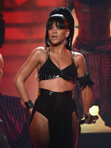 En cuanto a sus brazos la célebre cantante se cataloga como cuidadosa a la hora de ejercitarlos para no desarrollar masa muscular.
