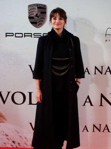 En su última aparición en Madrid muchos sospecharon que detrás del abrigo vintage de Chanel escondía un posible estado de buena esperanza.