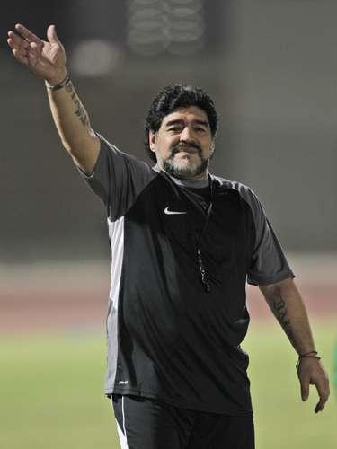Diego Maradona lleva en los antebrazos los nombres de sus dos hijas, Dalma y Giannina.
