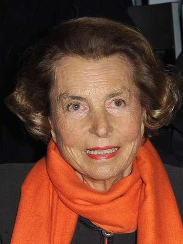 Liliane Bettencourt es junto al grupo Nestlé principal accionista de la firma de cosméticos L'Oreal y se le considera la mujer más rica del mundo. La fortuna de esta mujer está estimada en 30.000 millones de dólares