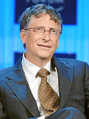Bill Gates nace en 1955 en Seattle. Funda en 1976 su propia compañía dedicada al software informático, Microsoft Corporation empresa que se vuelca en la innovación tecnológica. Hoy su fortuna neta se calcula en 67.000 millones de dólares
