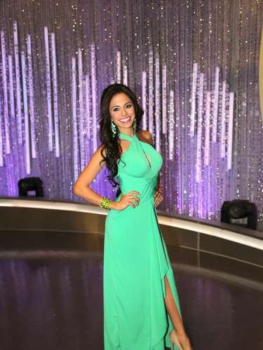 Una de las finalistas del certamen que hace parte del grupo del actor Julian Gil es Fernanda Loconsolo.