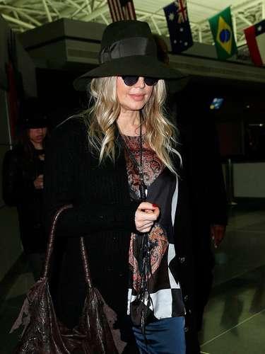 ¡Que look tan sensacional!, Fergie en el aeropuerto JFK de New York, el 20 de marzo