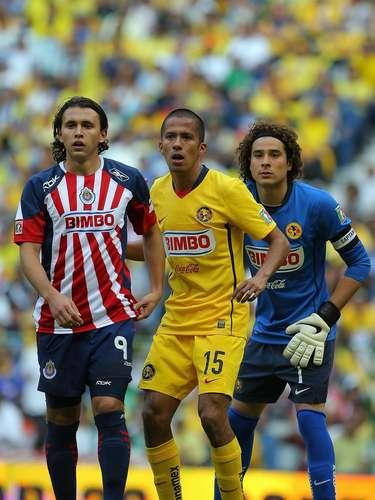 Un doblete de Omar Arellano le dio el triunfo 2-1 a Chivas contra América, en el Apertura 2008.