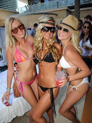 Marquee Dayclub en The Cosmopolitan de Las Vegas ofrece búngalos de tres pisos, cabañas a lado de sus fabulosas piscinas y una enorme plataforma de baile. Los visitantes encontrarán opciones de entretenimiento en abundancia así como menús y cocteles renovados.