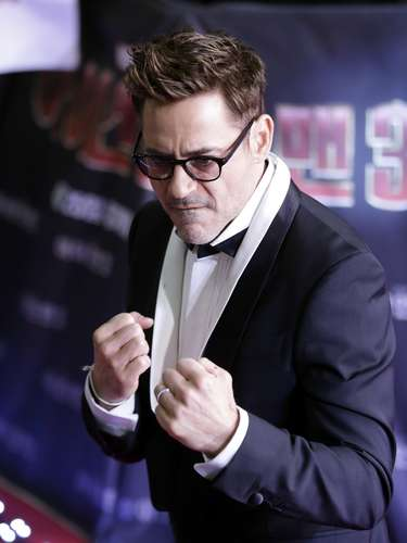 Robert Downey Jr. did 'Gangnam Dance' and cut a cake with South Korean fans who sang \