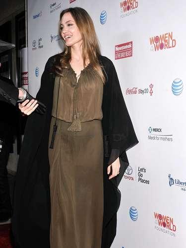 La actriz se había enfocado en su familia y en lanzar su vino en compañía de Brad Pitt.