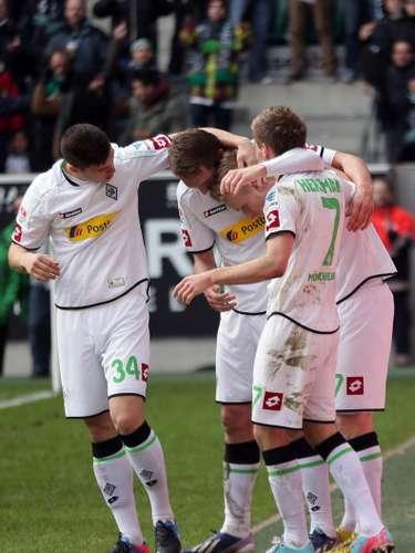Luuk de Jong consiguió la solitaria anotación con la queBorussia Monchengladbach derrotó 1-0 a Greuther Furth.