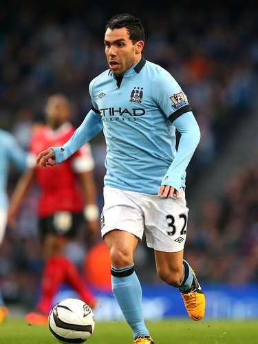 Carlos Tevez se encuentra en gran forma con el City, suma 10 goles y es junto con David Silva el líder en asistencias con siete. Siempre es interesante verlo ante su exequipo, sobre todo, en Old Trafford.