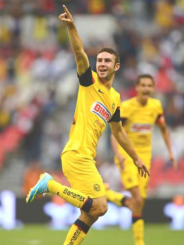 Lateral - Miguel Layún - América. Con su gol rescató a las águilas de la derrota frente a Puebla