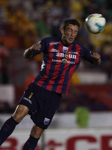 Joe Bizera perdió un balón en el área con Luis Rodríguez, en una jugada en la que el delantero de San Luis marcó el gol del triunfo 1-0 sobre Atlante.