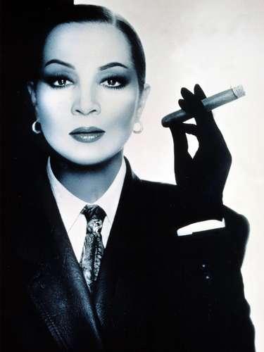 'Fumando espero' fue uno de sus grandes éxitos.Un bolero que hizo que del fumar algo elegante entre las mujeres.