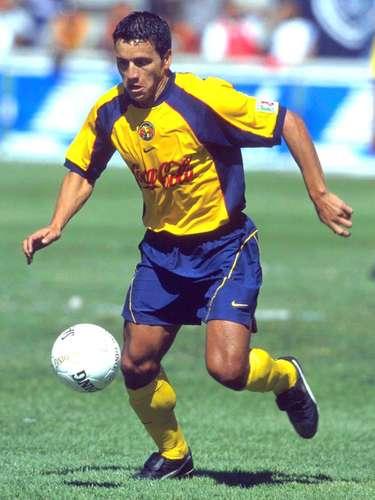 Hugo Castillo fue sustituido a los 55 minutos y se llevó cartón preventivo