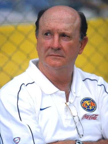 Manuel Lapuente dirigia a las Águilas del América