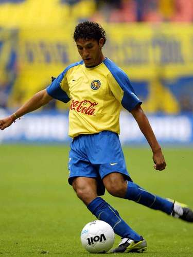 Marco Antonio Reyna jugó 65 minutos