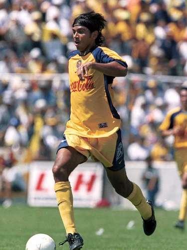 Franky Oviedo era el encargado de generar el juego ofensivo del cuadro azulcrema