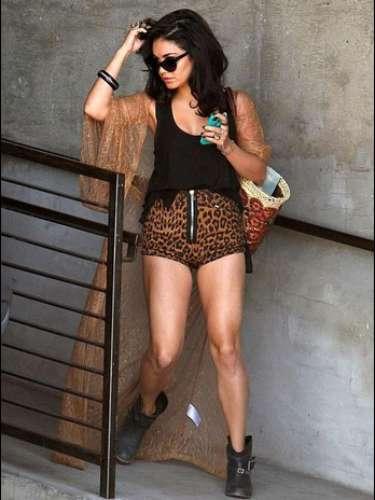 Acude con regularidad al estudio Exhale Santa Monica, ubicado en Los Ángeles, donde lleva a cabo una rutina de ejercicios para fortalecer su abdomen, brazos y piernas. La actriz complementa su rutina con ejercicios de ballet.