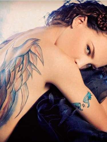Belinda ¡Nostálgica! nos muestra su bella figura adornada con tatuajes. @belindapop: \