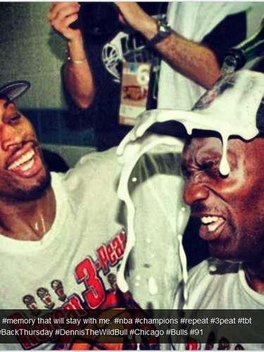 Dennis Rodman compartió esta foto como un recuerdo de cuando fue campeón con Chicago Bulls.
