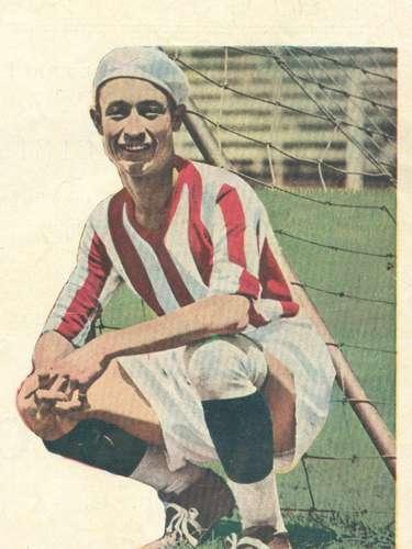 Luis 'Pichojos' Pérez brilló como extremo izquierdo en los años 30 con la camiseta 'rojiblanca'.
