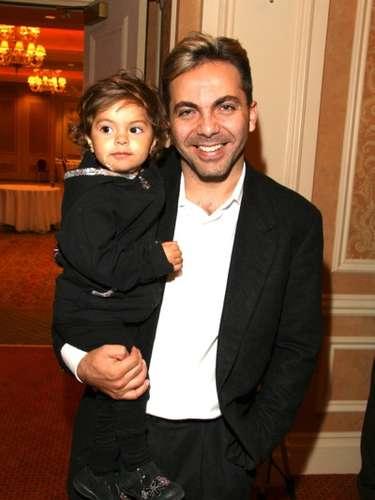La abuela de Simone y Mikhail, la actriz mexicana Verónica Castro, dijo que su hijo \