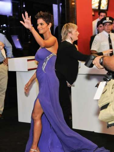 La actriz, que estaría esperando a un niño, se ha dejado ver radiante, feliz y como siempre, espectacular, durante las presentaciones para promocionar su última película, 'The Call', como durante esta gala  que tuvo lugar el 8 de Abril de 2013 en Buenos Aires, Argentina.