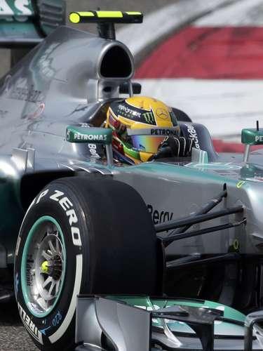 Lewis Hamilton apenas pudo terminar en la séptima posición en los entrenamientos del Gran Premio de China.