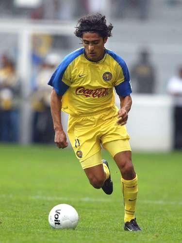 Jesús Mendoza debutó en León en el Verano 97 y permaneció ahí hasta el Verano 99, al América arribó en el Invierno 2000 para jugar hasta el Apertura 2002, además de una segunda etapa del Apertura 03 al Clausura 05