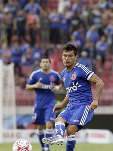 CHARLES ARÁNGUIZ: Su pase pertenece al Udinese de Italia, elenco que lo quiere para la próxima temporada. Además, ha recibido varias ofertas del extranjero.
