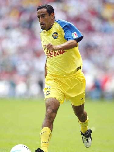 Christian Patiño debutó con América en la temporada 1995-96 y pasó a León para el Invierno 99 y Verano 2000, regresando a Coapa en el Invierno 2001 y hasta Apertura 2003