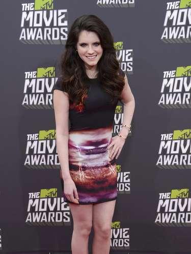 Kara Hayward fue de las primeras en llegar a los MTV Movie Awards luciendo sencillamente lindísima