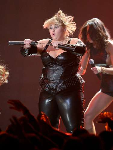 Aaquí la vimos en tremenda coreografía. La verdad es que nunca habíamos visto a Rebel tan... rebel-de.