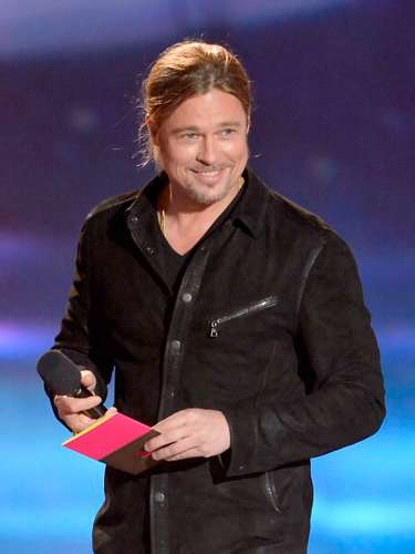 Brad Pitt, el famoso actor, fue el encargado de entregar el reconocimiento a los ganadores de la categoría \