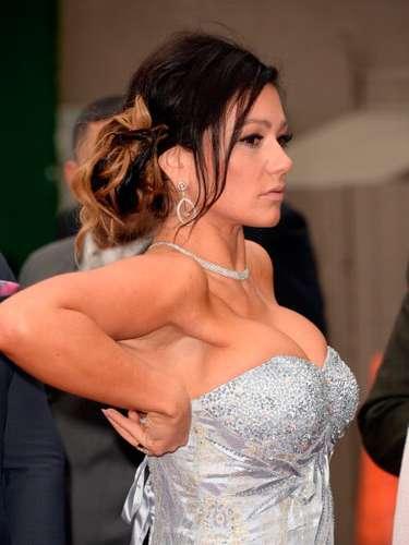 No es de extrañar que Jennifer quiera robarse todas las miradas con ese escote tan pronunciado