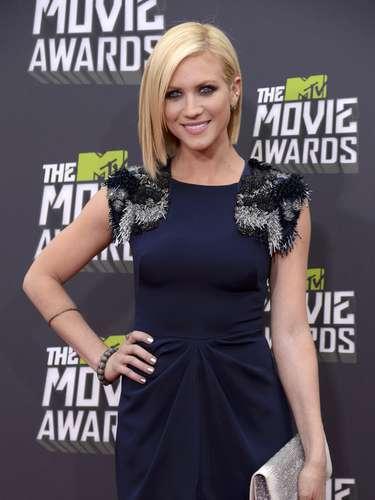 Brittany Snow se veía hermosa en la alfombra roja que resaltaba sus curvas y más que nada, sus hermosos ojos.