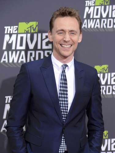 El guapo y seductor Tom Hiddleston arribó a California para los Movie Awards. ¿Será que 'The Avengers' ganará algún premio?