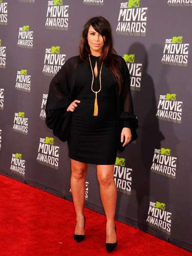 A pesar de su embarazo, Kim no deja la vida social en Hollywood.