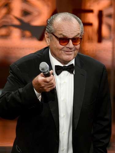 Jack Nicholson. Nació el jueves 22 de abril, durante la primavera de 1932. Debio al perfil de su signo, se caracteriza por ser una persona extravagante y poco conformista. En el horóscopo chino su animal es el buey y el número que rige su nacimiento es el 1, lo cual indica que lleva una vida de intenso trabajo.