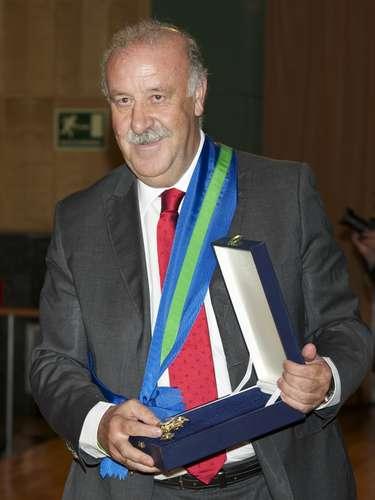 Del Bosque no paró y obtuvo la Real Orden del Merito Deportivo 2011.