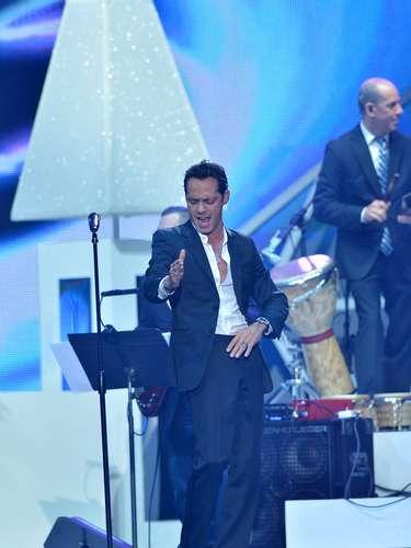 El cantante vuelve a retomar su pasión por la salsa con esta nueva canción.
