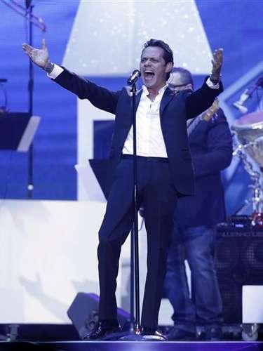 Marc Anthony hizo el debut ofical de su nueva canción \