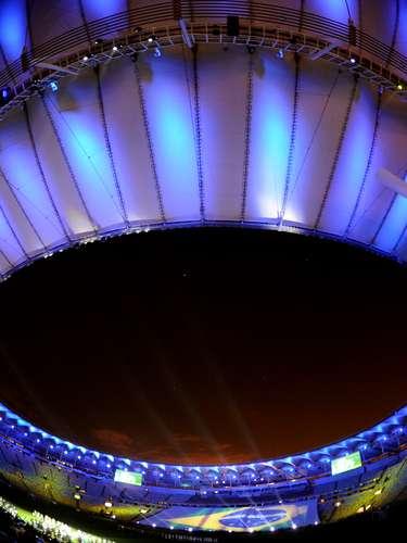 La capacidad total del estadio es ahora de 78.838 espectadores, pero será reducida a 76.935 en competiciones de la FIFA, y hoy sólo fue utilizada en cerca de un 30 por ciento, por tratarse de una primera prueba de las instalaciones.