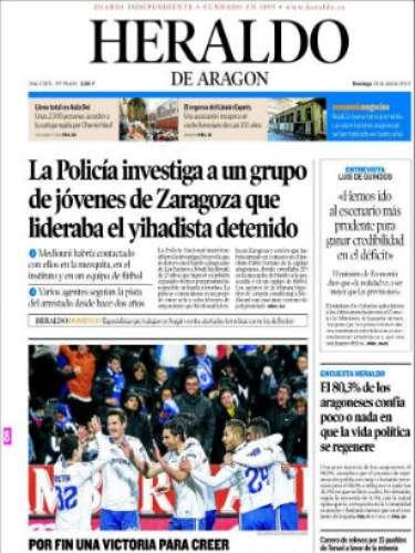 El 'Heraldo de Aragón' abre con una imagen futbolera con la victoria del Zaragoza ante el Mallorca en la pasada jornada. Su titular principal lo dedica a: \