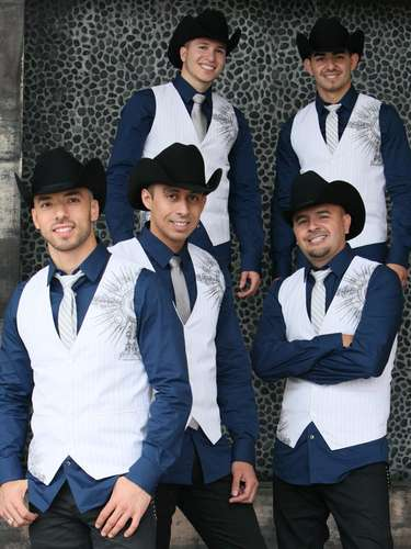 Los Canarios de Michoacán lanzaron al mercado su nuevo disco, \